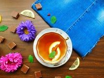 Tea med citronen royaltyfri foto