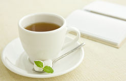 Tea and note Stock Photography