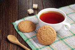 Tea with oatmeal cookie Royalty Free Stock Photo