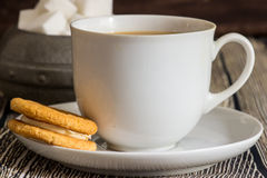Tea och kakor Arkivbilder