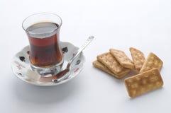 Tea och salt kakor fotografering för bildbyråer