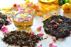 Tea with the petals of roses Royalty Free Stock Photos