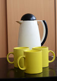 Tea pot and cups Royalty Free Stock Photography