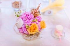 Tea pot flower arrangements Royalty Free Stock Photography