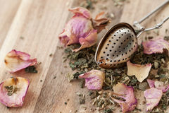 Tea with rose petals Royalty Free Stock Photography