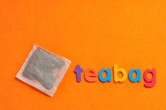Teabag με teabag λέξης στοκ εικόνες