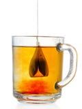 Teabag no copo foto de stock
