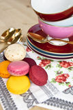 Teacups e Macarons Foto de Stock Royalty Free