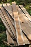 Teak σωρών ξύλο στη διαδικασία Στοκ εικόνα με δικαίωμα ελεύθερης χρήσης