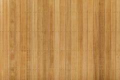 Teak houten paneel met messingsspijker Stock Foto
