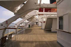 Teakwooddek van Lijnboot Stock Afbeeldingen