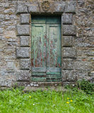 Teal Doors i Cortona, Italien Royaltyfri Foto