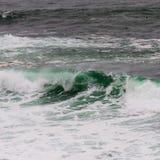 Teal Wave y lavado del blanco que se encrespan Fotos de archivo