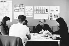 Team Brainstorming en taller de la reunión foto de archivo libre de regalías