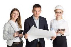 Team, das im Büro zusammenarbeitet Getrennt auf weißem Hintergrund Stockbild