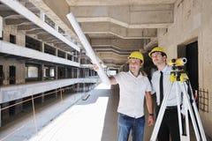 Team der Architekten auf construciton Site Stockfotografie