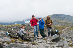 Team des Bergsteigerstillstehens Lizenzfreie Stockbilder