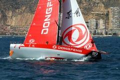 Team Dongfeng die na beginbeen 1 Alicante-Lissabon varen Royalty-vrije Stock Foto's