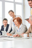 Team in IT gegevensverwerking opleiding stock afbeelding