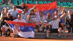 Team i vincitori della Serbia del mondo del cavallo di 2012 potenzi Fotografie Stock