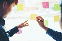 Team kreative Unternehmensplanung und das Denken an Ideen für succe Stockbilder