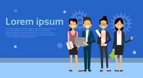 Team Of Modern Businesspeople Business man och kvinnatecknad film som står över bakgrund med kopieringsutrymme royaltyfri illustrationer