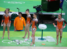 Team Netherlands durante una sesión de formación artística de la gimnasia para Río 2016 Olimpiadas en Rio Olympic Arena Imagenes de archivo
