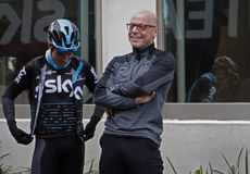 Team Sky chief Dave Brailsford talks to cyclist Mikel Landa Royalty Free Stock Photos