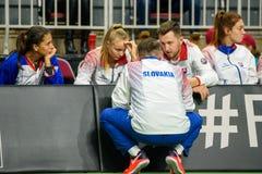 Team Slovakia, durante jogo redondo do grupo II do mundo o primeiro entre a equipe Letónia e a equipe Eslováquia fotos de stock royalty free