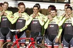 Team Trek Segafredo met Alberto Contador alvorens op te leiden Royalty-vrije Stock Foto's