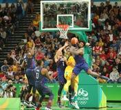 Team United States in actie tijdens de gelijke van het groepsa basketbal tussen Team de V.S. en Australië van Rio 2016 Olympische Royalty-vrije Stock Afbeelding