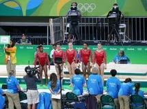 Team United States durante una sesión de formación artística de la gimnasia para Río 2016 Olimpiadas en Rio Olympic Arena Fotos de archivo libres de regalías