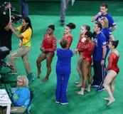 Team United States under en konstnärlig gymnastikutbildningsperiod för Rio de Janeiro 2016 OS:er på Rio Olympic Arena Arkivfoto