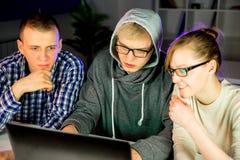 Team van hakkers stock afbeeldingen