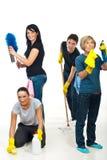 Team van mensen die uw huis schoonmaken Royalty-vrije Stock Afbeeldingen