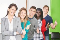 Team van studenten en leraar Royalty-vrije Stock Foto