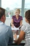 Bedrijfs mensen op vergadering Stock Afbeeldingen
