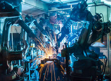 Free Team Welding Robot Royalty Free Stock Photography - 61133017