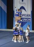 Team Wild Flyers dalla Finlandia che esegue ai campionati Cheerleading europei 201 dell'ECU Fotografie Stock