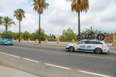 Teamauto in actie bij La Vuelta Stock Fotografie