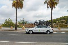 Teamauto in der Aktion am La Vuelta Stockfotografie