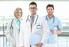 Teamfoto der jungen Doktoren stockfotografie