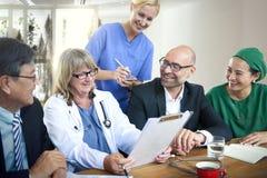 Teamwork Diagnosis医生合作会议概念 库存图片