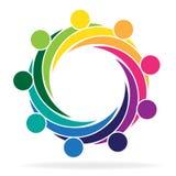Teamwork, die Geschäftsleute Logo umarmt Lizenzfreies Stockfoto