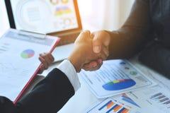 Teamwork-Einheit in Organisation Geschäftserfolg stockfotografie