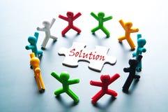 Teamwork für lösen Problem Lizenzfreies Stockbild