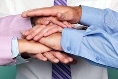 Teamwork-Handstapel Stockfoto
