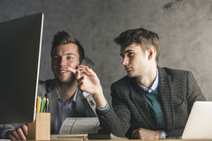 Teamwork-, Kommunikations- und Arbeitskonzept stockfotos