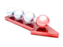 Teamwork-Konzept mit rotem Führer Sphere On Arrow vorwärts Stockfotografie