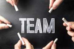 Teamwork- och grupparbetsbegrepp arkivfoton